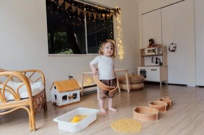 Установление контакта и организация взаимодействия с аутичным ребенком посредством  сенсорных игр